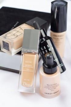 ulubieńcy: Lekkie podkłady na lato, Dior Nude, Maestro Glow od Armanii, Bobbi Brown Serum, Shiseido Synchro Skin Glow oraz Nars All Day Luminous