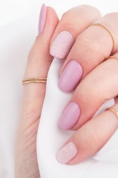 Semilac Allure manicure walentynkowy